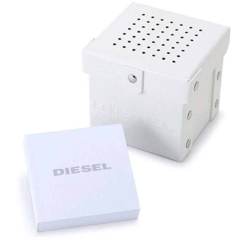 Diesel DZ1799 Erkek Kol Saati